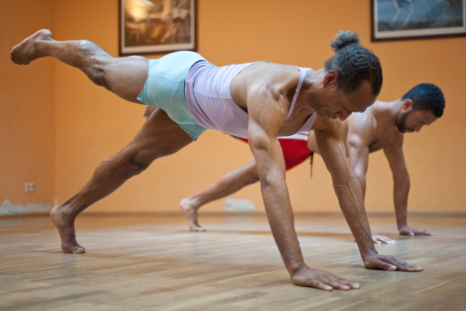 pilates press up push up