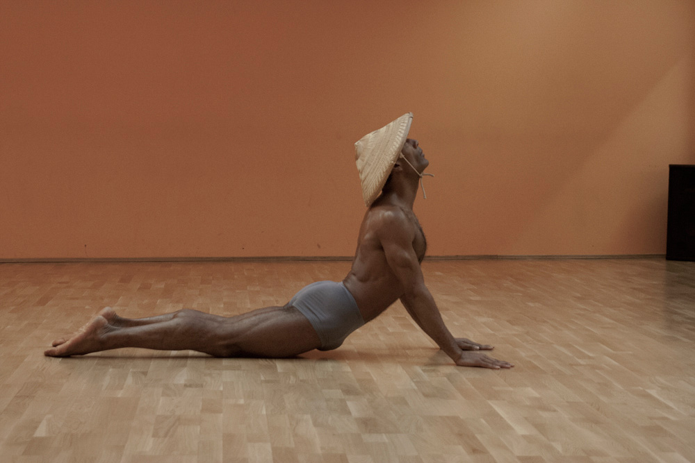 pilates back bend swan Übung