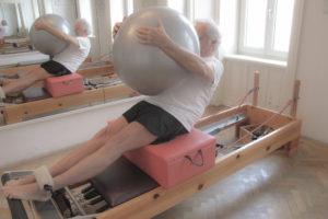 Short Box Serie Pilates Geräte Reformer Übung Kinästhetische Wahrnehumng Trainingsoptimierung Körper-Bewusstheit