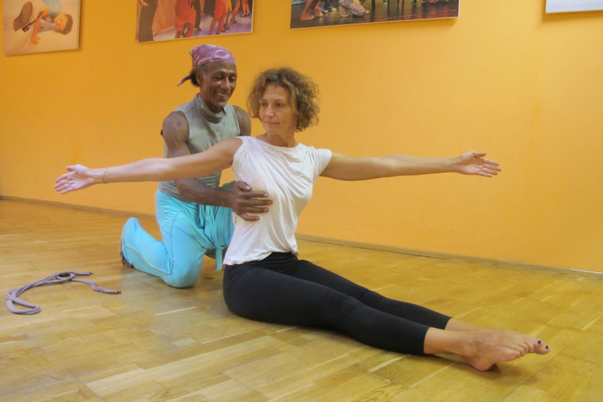 Pilates Twist Übung Faszientraining Auswirkungen