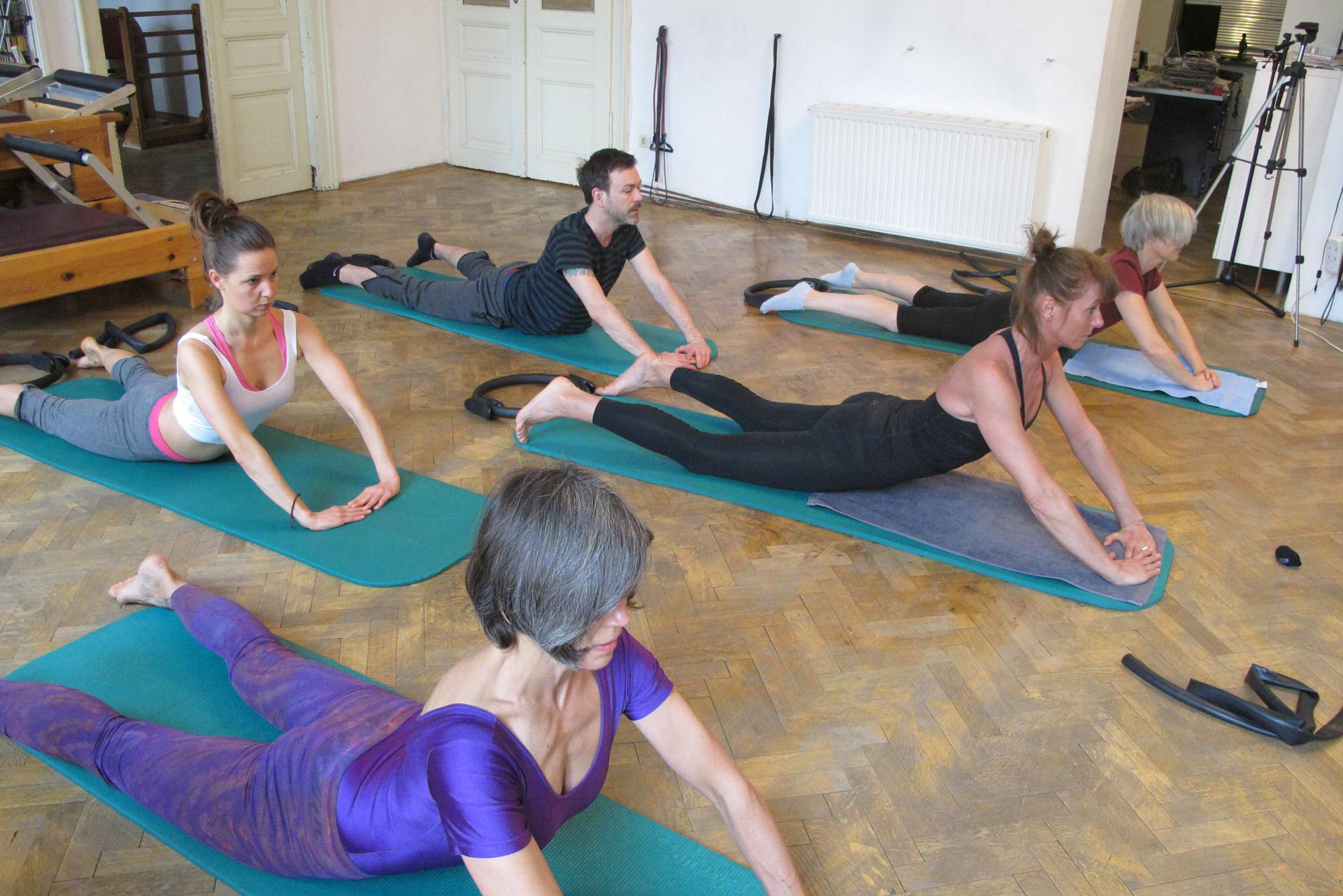 Pilates Swan Übung Faszientraining Auswirkungen