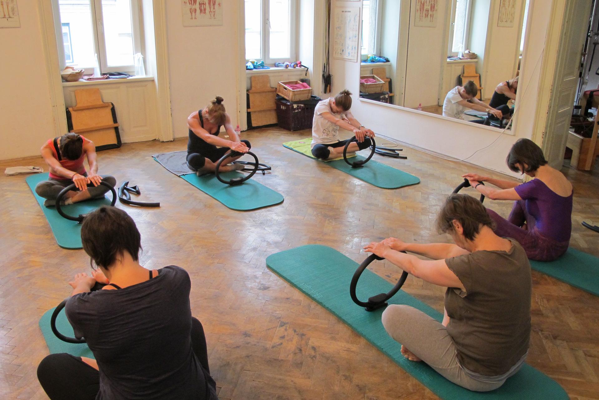 Pilates lateral posteriore Atmung Trainingsoptimierung Vorbereitung Core Stabilität Zwerchfell Entspannung Schultergürtelstabilisation kinästhetisches Feedback Wahrnehmungsübung