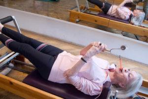 Atmungsintegration Pilatestraining bewusste reflexive Atmung Körperachtsamkeit Atemdynamik Biofeedback Trainingsoptimierung