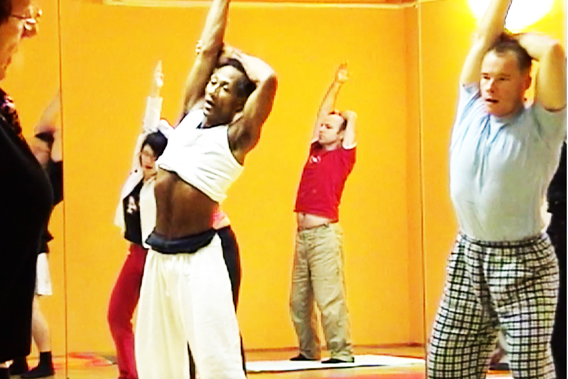oberer Rücken Entspannung therapeutisch Bewegung Intonation rhythmisches Muster Übung Training Pilates Körperachtsamkeit